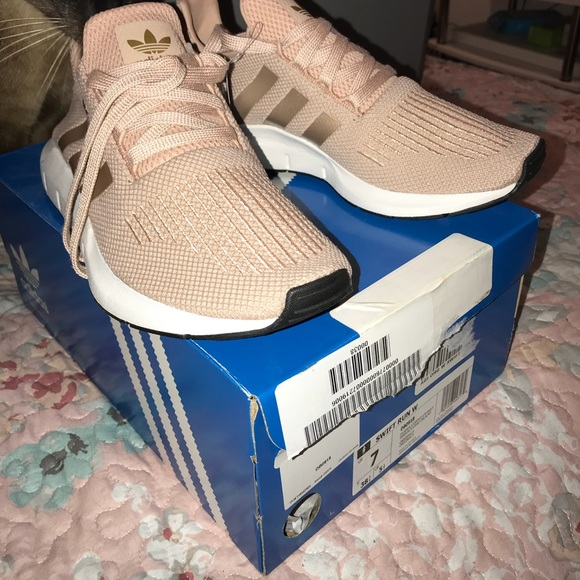 adidas Shoes   Adidas Swift Run Rose